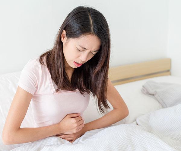 6 Aceites esenciales que puedes Usar para Aliviar el Dolor Menstrual