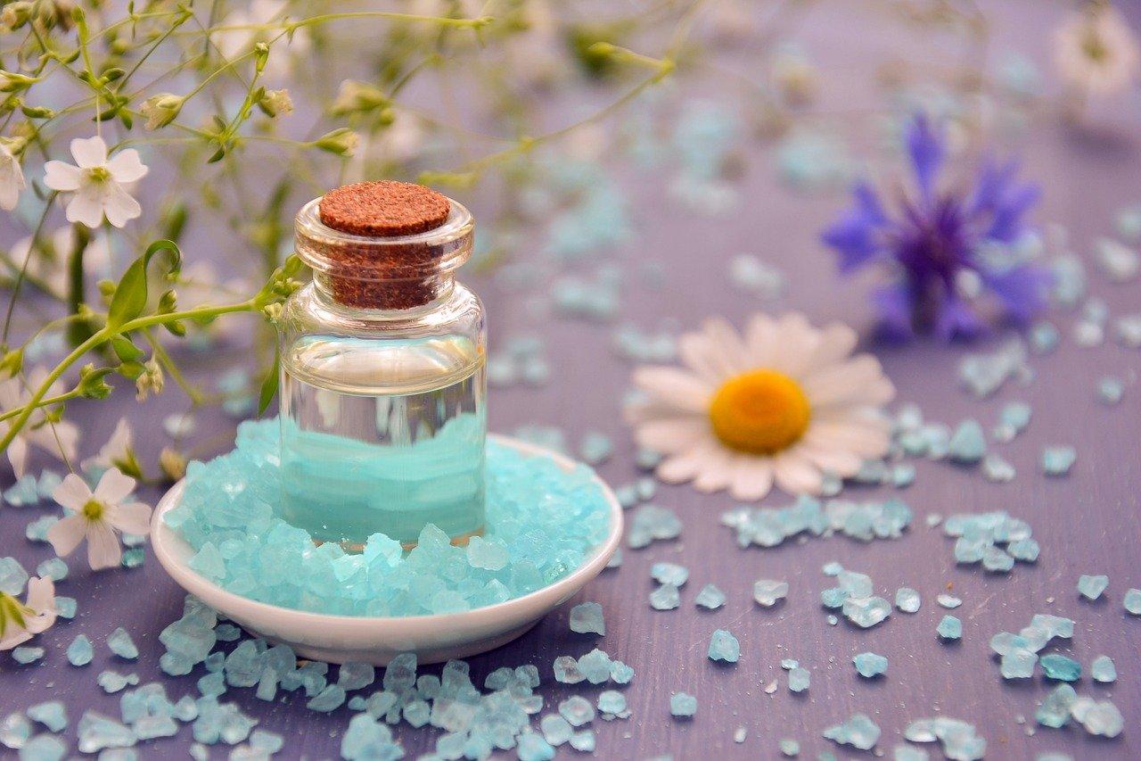 ¿Cómo puedo usar aceites esenciales para equilibrar mis emociones?