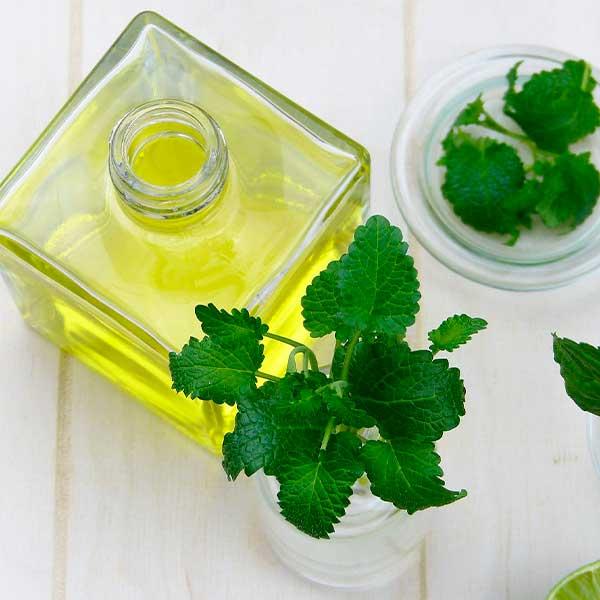 aceites-esenciales-para-colicos-menstruales-
