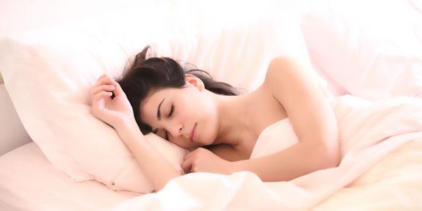 Los mejores aceites esenciales para mejoran el sueño y relajarse