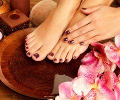 lavando pies
