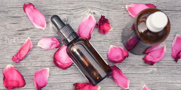 11 aceites esenciales antienvejecimiento para arrugas y manchas oscuras
