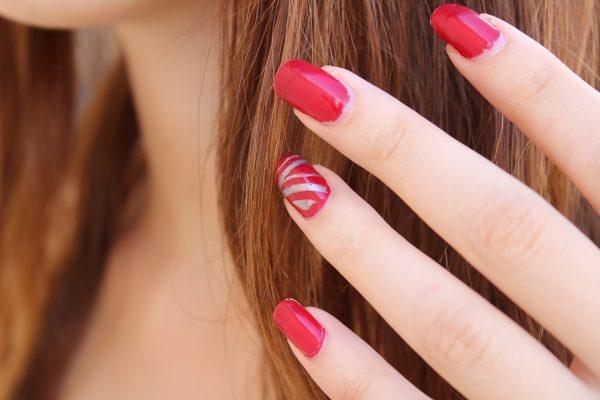 Los 10 mejores aceites esenciales para tener unas uñas fuertes y bonitas